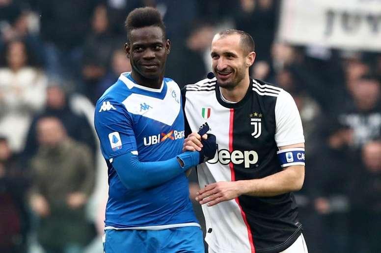 Mino Raiola assure que Mario Balotelli restera en Europe. Goal