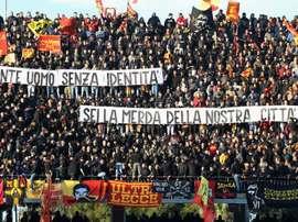 Striscione contro Conte a Lecce. Goal