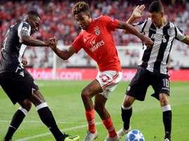 Benfica tropeça em Portugal, e vaga para fase de grupos da Champions League fica ameaçada