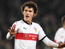 Pavard will stay at Stuttgart, despite interest from elsewhere. Goal