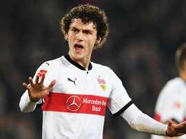 Pavard will stay at Stuttgart, despite interest from elsewhere. Goal