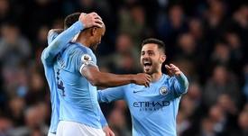 Kompany backs class clown Silva to take Manchester City captaincy