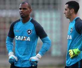 Felipe Couceição  terá de escolher entre um dos goleiros. Goal