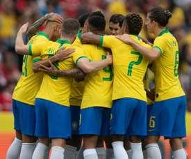 Brasil supera corte de Neymar e domina Honduras