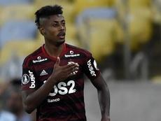 Bruno Henrique sente a coxa e preocupa para o Mundial. Goal
