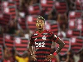 Retrato de um time mal treinado: Flamengo cruza na área a cada 4 minutos