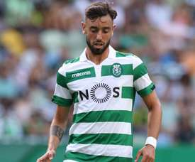 Keizer hoping for Fernandes stay after Coates concedes three penalties in Sporting loss