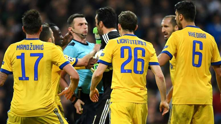 new style 90076 7ba3e Buffon suspended by UEFA for red card antics - BeSoccer