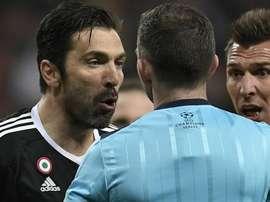 Atalanta-Valencia, arbitra Oliver. GOAL
