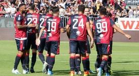 Il Cagliari festeggia il momentaneo quinto posto. Goal