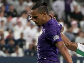 Brasileiro é multado nos Emirados Árabes por... corte de cabelo!