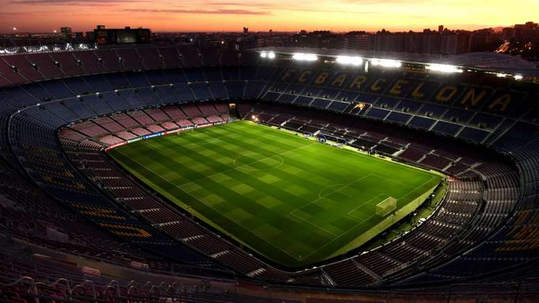 Barcelona set to cut wages