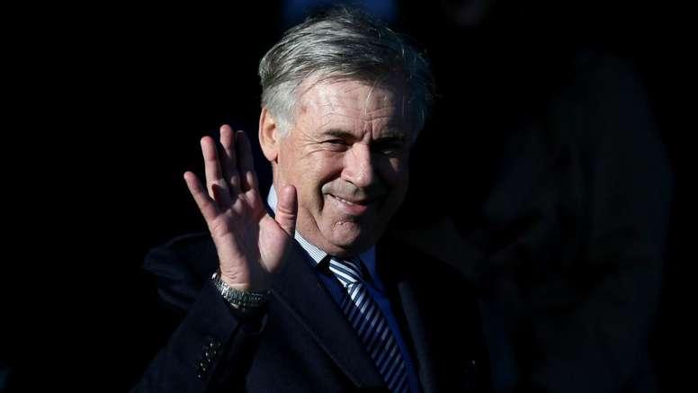 Ancelotti chiama un tifoso affetto da una patologia: 'Chiamami Carlo'. GOAL