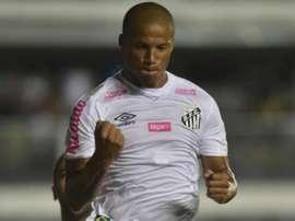 Carlos Sánchez repete, no Santos, sua melhor média de gols do River