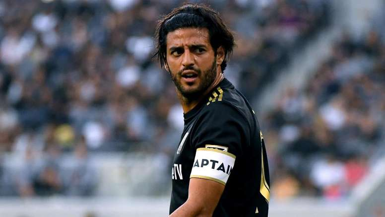 MLS Review: Vela equals record