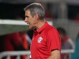 Macaé 1x0 Flamengo: time de Carpegiani é castigado em contra-ataque