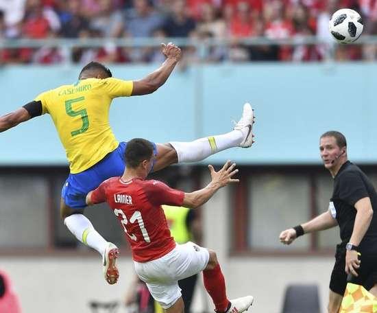 """Gilberto Silva: """"Casemiro é o melhor meia defensivo do mundo"""".Goal"""