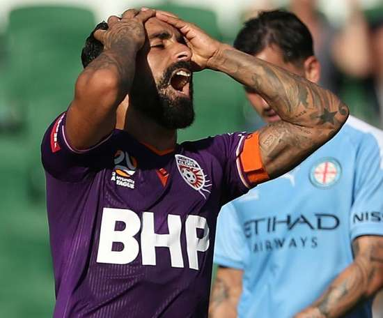 Melbourne City hold off Perth Glory, Wellington Phoenix win again. GOAL