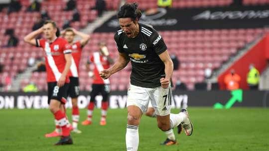 Keane critique Cavani malgré son doublé. Goal