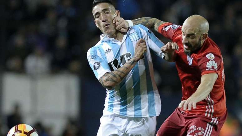 River segura pressão do Racing mesmo com um a menos, e clássico argentino pela Libertadores termina