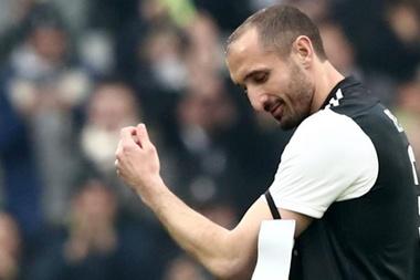 Tagli agli stipendi in casa Juventus: Chiellini chiama i compagni