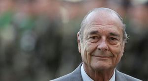 Une minute de silence en hommage à Jacques Chirac. Goal