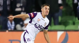 Ikonomidis snatched the spoils for Perth Glory.  GOAL