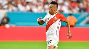 Christian Cueva surge como opção para o Grêmio, segundo jornal peruano.