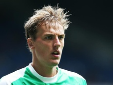 Walton's mistake sent Leeds top of the Championship. GOAL