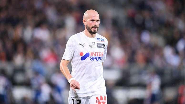 Christophe Jallet va retrouver son ancien club. GOAL