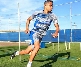 Cícero tenta apagar passado, mas precisa jogar bem no Grêmio
