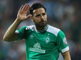 Pizarro will stay at Werder Bremen for one more year. GOAL