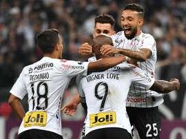 Prováveis escalações de Wanderers e Corinthians. Goal