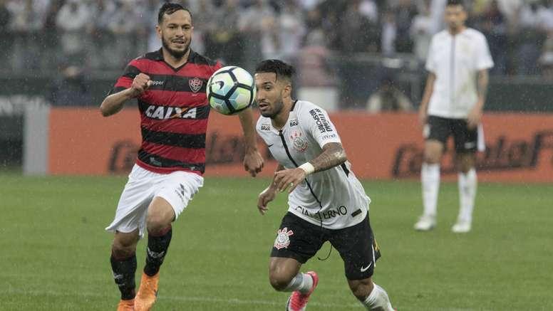 aa178730e4 Pin O Vitória fez história com este triunfo no campo do  Timão . Goal
