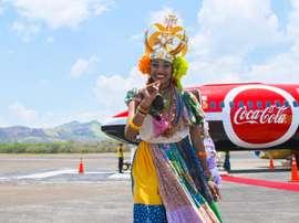 Que boas-vindas! O Tour do Troféu da Copa do Mundo da Coca-Cola chega ao Panamá