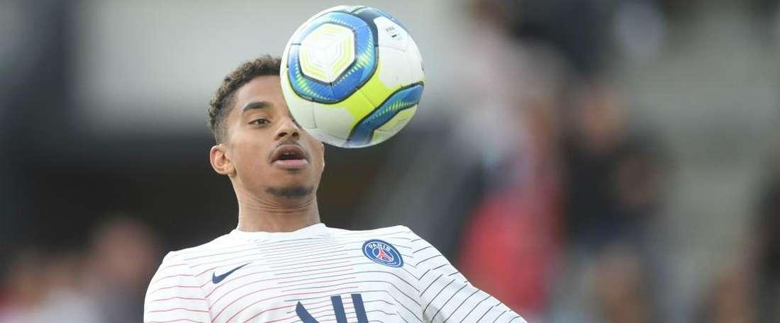Dagba signs new five-year Paris Saint-Germain contract. GOAL