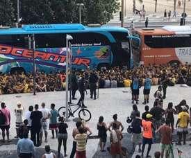Briga entre torcedores de Flamengo e Peñarol termina com feridos no Rio