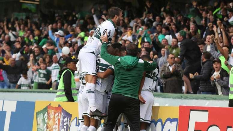 Coritiba e Atlético-GO sobem e voltam a elite do futebol brasileiro. Goal