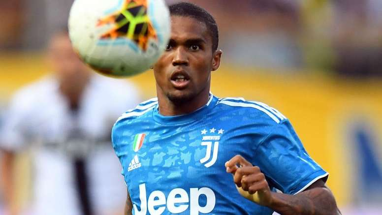 Douglas Costa has attracted significant interest from Manchester United. GOAL