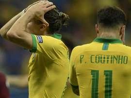 Filipe Luís e Thiago Silva condenam vaias em Salvador.