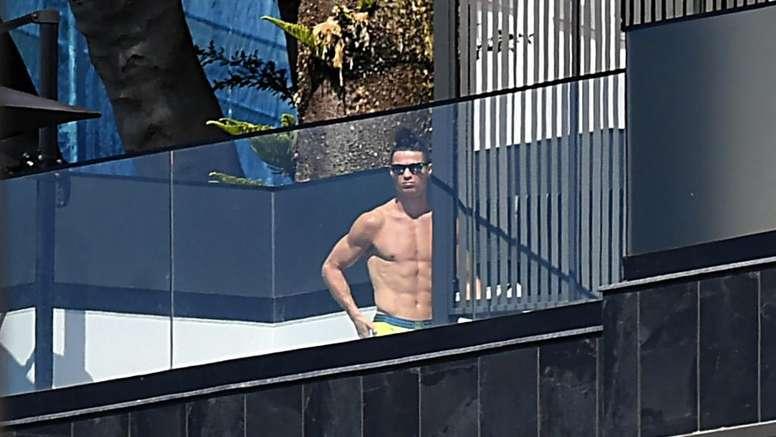 Cobolli Gigli contro Ronaldo: 'Via per la mamma? Si mostra in piscina a prendere il sole'. Goal