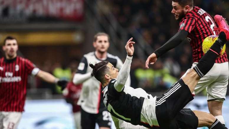 Milan-Juve: perché Valeri ha dato rigore su Calabria. Goal