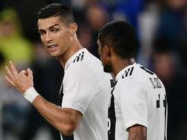 Douglas Costa: 'Da quando c'è Ronaldo siamo tutti più magri'