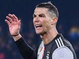 Cristiano Ronaldo in panchina nell'amichevole in Corea: due tifosi risarciti