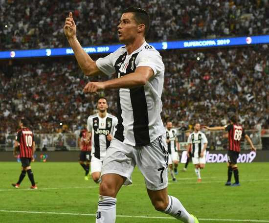 Ronaldo's header proved to be pivotal in the clash with Milan. GOAL