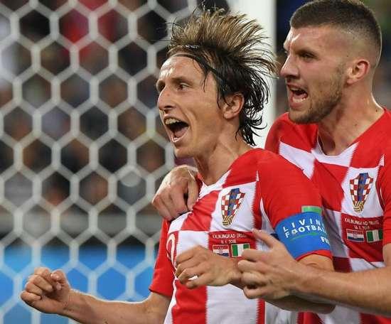 Croácia vence e lidera Grupo D!.Goal