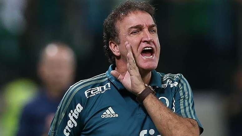 Cuca não saiu nada agradado com desempenho da equipe de arbitragem. Goal