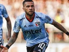 Dani Alves entra para seleta lista no São Paulo. Goal