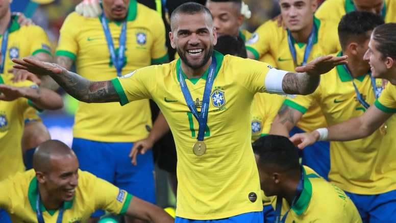 Dani Alves eyeing 2022 World Cup