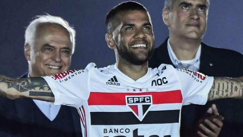 Dani Alves vai conhecer um novo Morumbi após críticas. Goal